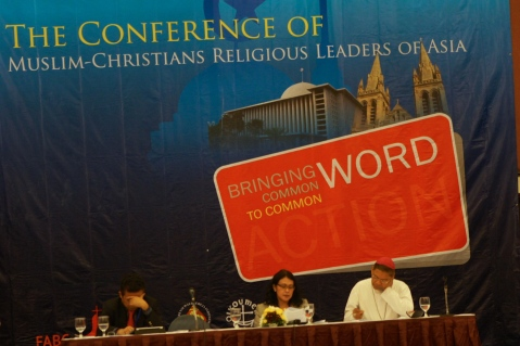 Religious leaders from 16 Asian countries came to Jakarta for the February 26 – March 1st Conference of Muslim-Christian Religious Leaders of Asia, which emphasised that the two religions share a core teaching: love. [Photos: Elisabeth Oktofani/Khabar]